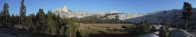 Common granite peaks in Yosemite.